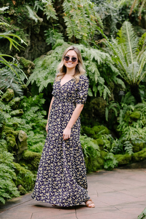 Fashion blogger Bows & Sequins wearing a cute maxi dress for spring and summer outfit ideas.