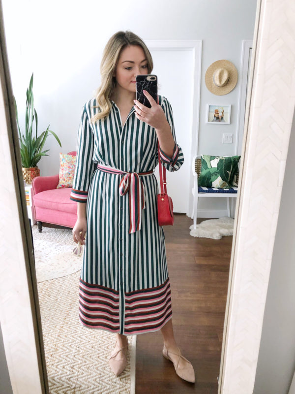 Chicago Instagrammer Jessica Sturdy of Bows & Sequins styling a striped shirt dress with nude flats and a red crossbody bag.