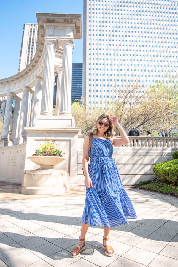 Chicago fashion Instagrammer Jessica Sturdy of Bows & Sequins styling a striped midi dress with leather espadrilles.