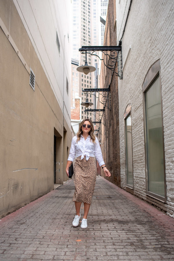 Chicago fashion blogger Jessica Sturdy of Bows & Sequins styling a leopard print silk midi skirt.
