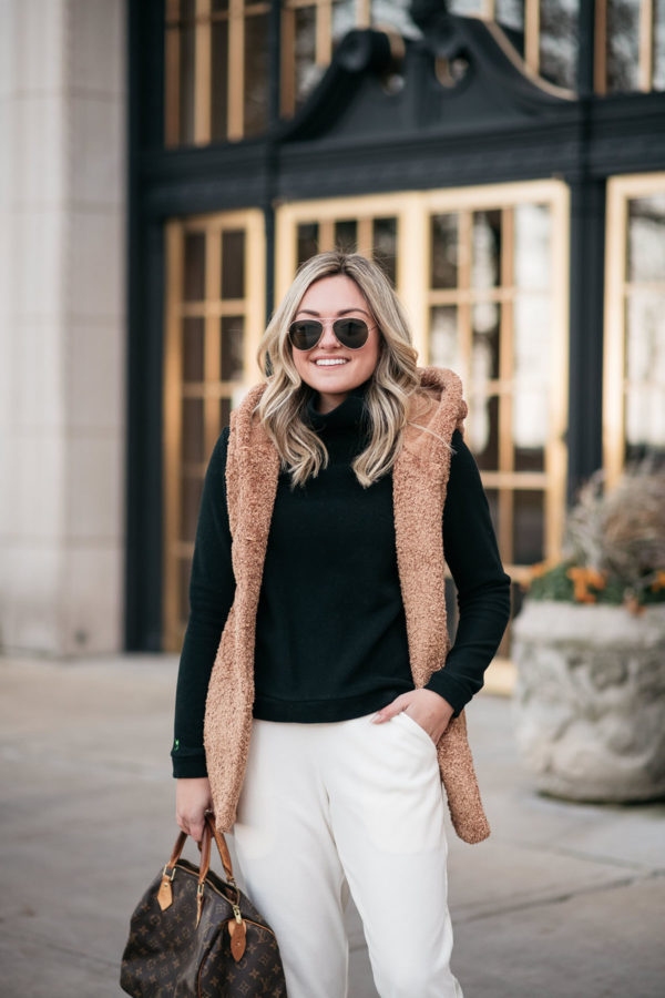 Chicago fashion blogger Bows & Sequins styling a Dudley Stephens Park Slope Turtleneck.