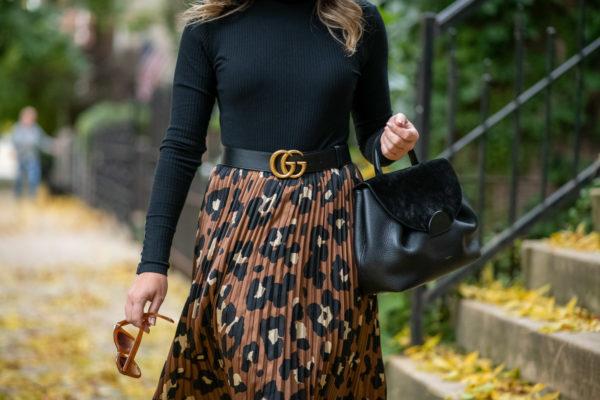 Chicago blogger wearing a Polene handbag.