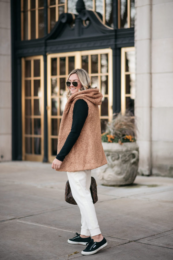 Chicago fashion blogger Bows & Sequins styling an outfit from Dudley Stephens.
