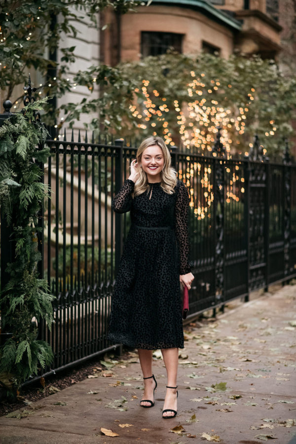 Chicago lifestyle blogger Bows & Sequins styling a Boden dress for the holidays.