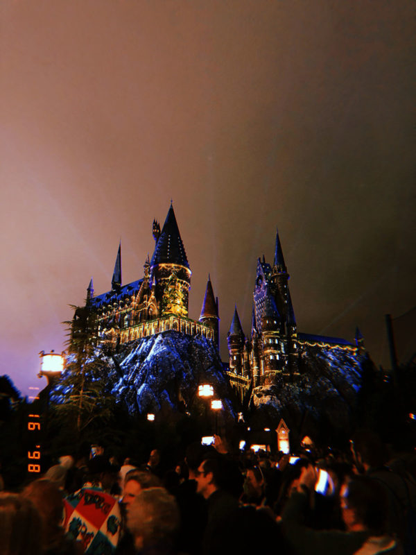 Hogwarts Castle Christmas Show at Wizarding World of Harry Potter