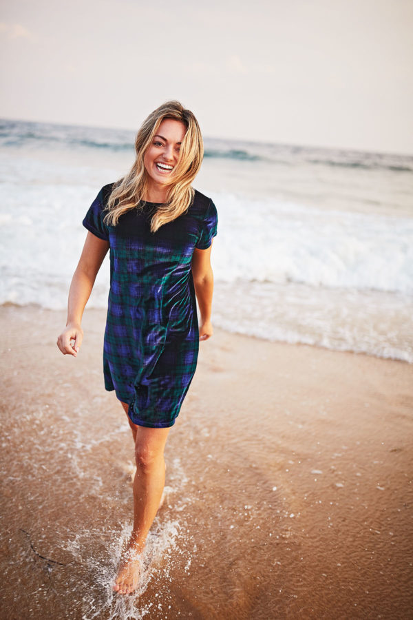 Preppy fashion blogger Jessica Sturdy of Bows &  Sequins modeling a Vineyard Vines velvet blackwatch plaid dress on the beach at Ocean House Rhode Island.