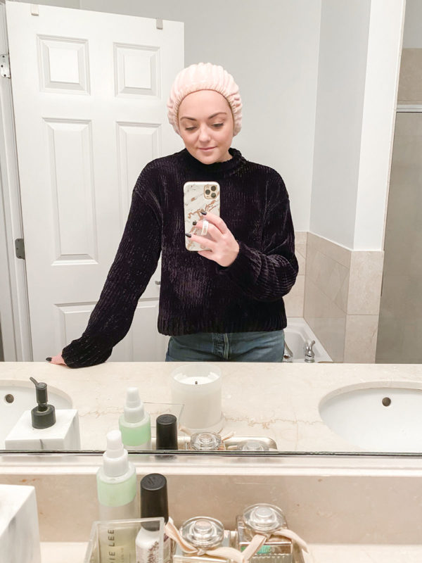 Beauty blogger Bows & Sequins shares a favorite find from Amazon, the $15 Tassi terrycloth spa headband wrap to keep your hair out of your face when washing you face, doing your skincare routine, or masking.