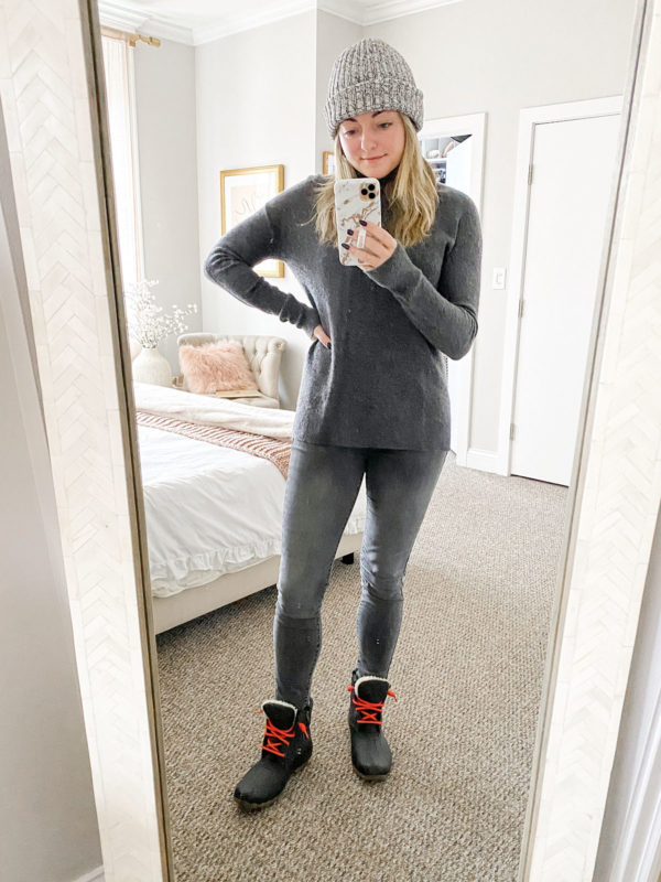 Love Your Melon Beanie, Grey Cashmere Turtleneck, Rag & Bone Gray Skinny Jeans, Sperry Saltwater Boots with Red Laces Outfit