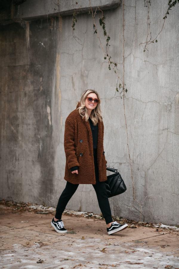 Brown Teddy Coat, Black Jogger Sweatpants, Vans Sneakers
