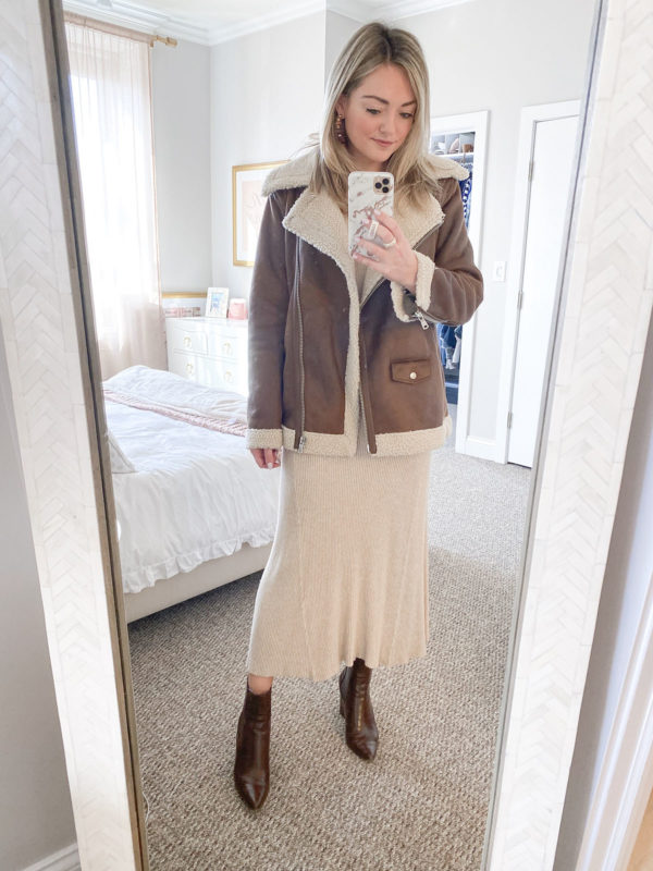 Chicago fashion blogger Jessica Sturdy of Bows & Sequins styling an Avec Les Filles moto jacket with a maxi ribbed sweater dress, wooden hoop earrings, Steve Madden Subtle brown croc booties.